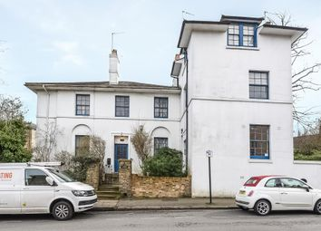 Thumbnail Flat for sale in Fitzroy Lodge, Highgate N6,
