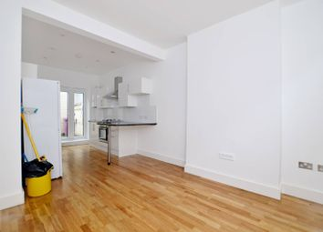 Thumbnail 4 bedroom property to rent in Canrobert Street, Bethnal Green