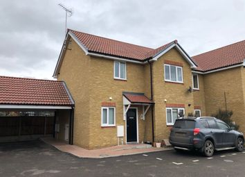 2 bed maisonette to rent in Irvon Hill Road, Wickford SS12