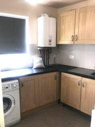 3 bed flat to rent in Oldfields Circus, Greenford, London UB5