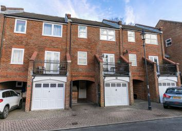4 bed property for sale in Manning Close, East Grinstead RH19