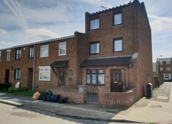 Thumbnail 4 bed property to rent in Barberry Close, Romford