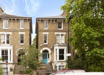 Thumbnail 2 bed flat to rent in Navarino Road, London