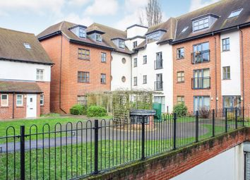 2 bed flat to rent in Dunkerley Court, Birds Hill, Letchworth Garden City SG6