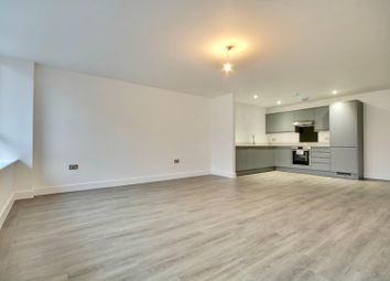 Southgate, Chichester PO19. 2 bed flat for sale