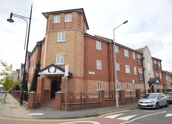 3 bed flat to rent in Stretford Road, Hulme, Manchester M15