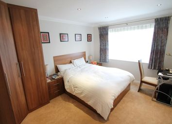 Thumbnail 2 bed flat to rent in Woodside Avenue, North Finchley., London