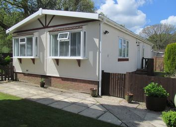 Thumbnail 2 bed mobile/park home for sale in Crookham Park, Thatcham, Berkshire