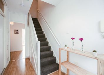 4 bed flat to rent in Barrington Close, London NW5