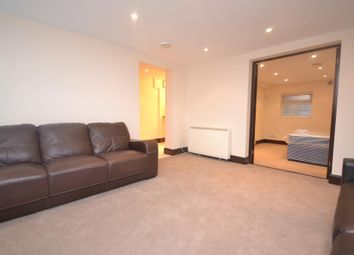 Thumbnail 1 bedroom flat to rent in Oxford Road, Reading Town Centre