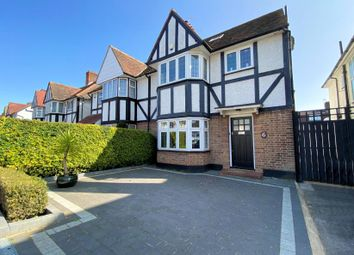 Willow Way, Finchley N3. 4 bed property