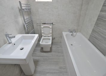 Thumbnail 2 bed flat to rent in Greenfern Avenue, Slough