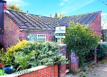 3 bed bungalow for sale in Mcgredy, Cheshunt, Waltham Cross EN7