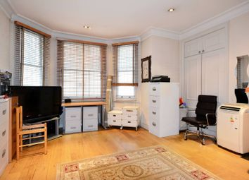 Thumbnail 1 bed flat to rent in Gledhow Gardens, South Kensington