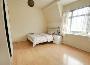 3 bed flat to rent in London Road, Isleworth TW7
