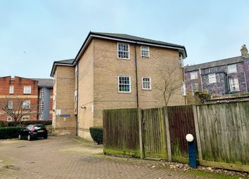 2 bed flat for sale in Rockstone Lane, Southampton, Hampshire SO14