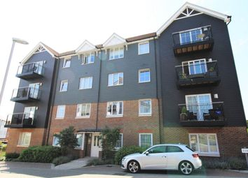 Thumbnail 2 bed flat to rent in Eden Road, Dunton Green, Sevenoaks