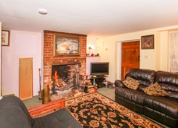 Thumbnail 2 bed cottage for sale in Kingsbury Street, Calne