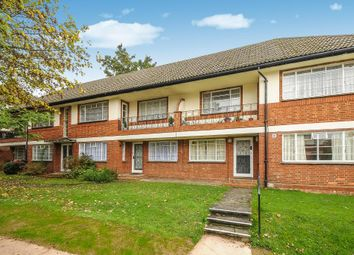 Thumbnail 2 bedroom flat to rent in Glenhill Close, Finchley N3,