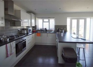 Room to rent in Brampton Road, London NW9