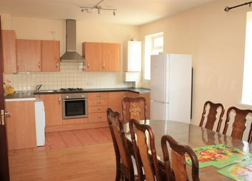 Thumbnail 5 bed flat to rent in Midhurst Road, Northfields