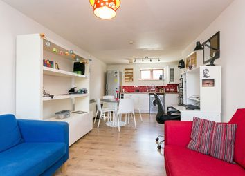 Thumbnail 1 bedroom flat for sale in Magpie Close, London
