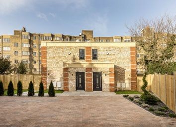 4 bed property for sale in Woodleigh Gardens, London SW16