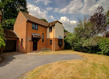 Thumbnail 3 bedroom detached house for sale in Carolina Place, Finchampstead, Wokingham