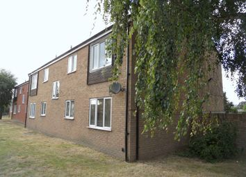 Thumbnail 2 bed flat to rent in Gidea Close, South Ockendon