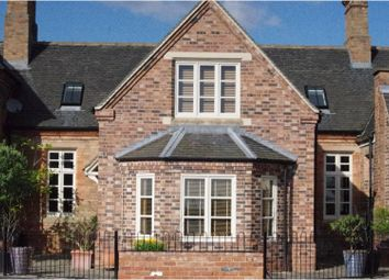 4 bed mews house for sale in Uttoxeter Road, Hilton DE65