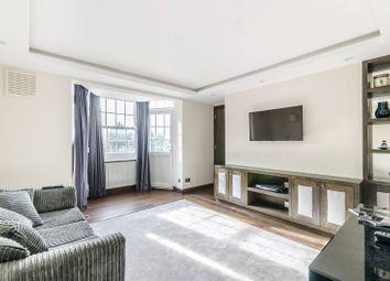 Emlyn Gardens, Wendell Park, London W12. 3 bed flat