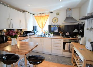 Thumbnail 2 bed flat to rent in Arragon Gardens, London
