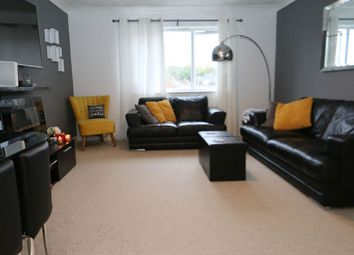 Thumbnail 2 bed flat for sale in Swan Mead, Hemel Hempsted, Hertfordshire