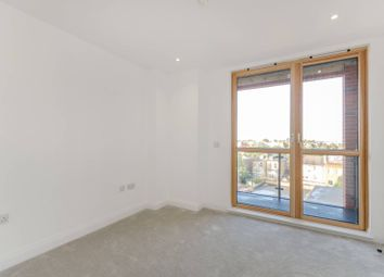 Thumbnail 2 bed flat to rent in Blagdon Road, New Malden
