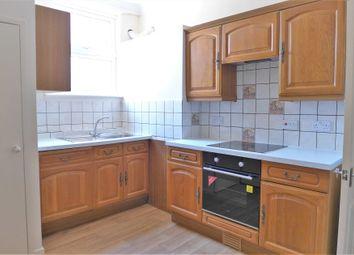 Thumbnail 2 bed flat to rent in Kirkgate, Ripon