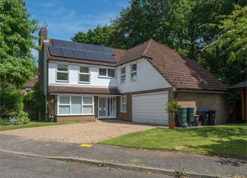 Thumbnail 5 bed detached house to rent in Heatherside Gardens, Farnham Common, Buckinghamshire
