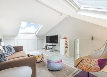 Dorset Road, London SW8. 1 bed flat for sale