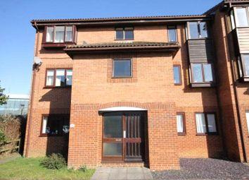 1 bed flat to rent in Quincy Road, Egham, Surrey TW20