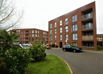 Thumbnail 2 bed flat to rent in Draper Close, Grays