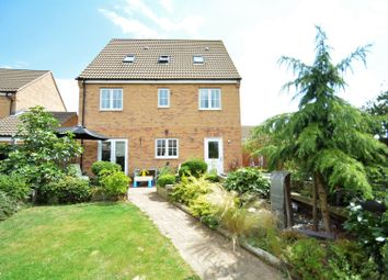 Thumbnail 5 bed detached house for sale in Fairbairn Way, Chatteris