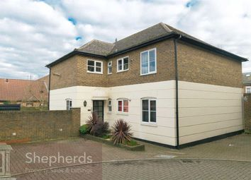 Thumbnail 2 bed flat to rent in Station Road, Broxbourne, Hertfordshire