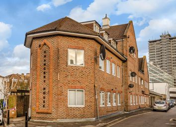 1 bed flat for sale in Tolworth Close, Surbition KT6