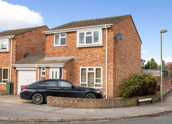 Thumbnail 3 bed detached house for sale in Segsbury Road, Wantage