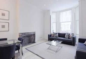 3 bed maisonette to rent in Lexham Gardens, London W8