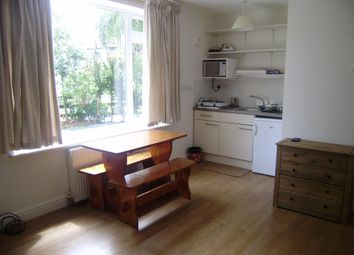 Thumbnail 1 bedroom flat to rent in Wentworth Road, North Oxford