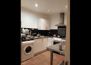 Thumbnail 1 bed flat to rent in Larchmoor Park, Gerrards Cross Road, Stoke Poges, Slough