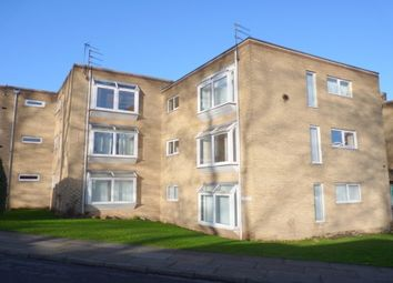 Thumbnail 2 bed flat to rent in Mount Avenue, Bebington, Wirral