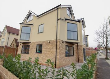 Thumbnail 3 bed flat to rent in Fitzjohn Avenue, Barnet