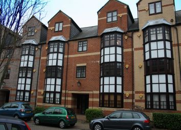 Thumbnail 1 bed flat to rent in Maltings Place, Reading, Berkshire