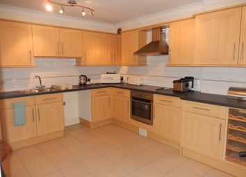 Thumbnail 1 bed flat to rent in Luton Road, Chatham, Kent.